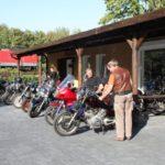 Bikes vor der Werkstatt